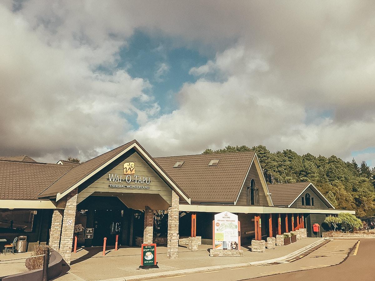 Das Besucherzentrum von Wai-O-Tapu